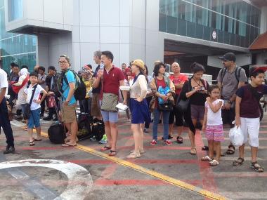 Delay Lion Air Cemari Nama Baik Indonesia, Penumpangnya Turis Bule: They're Terrible