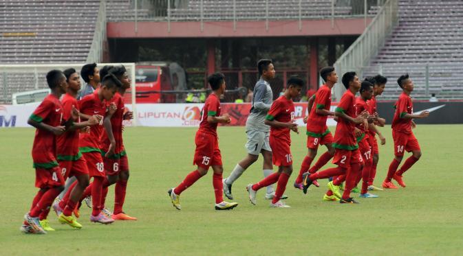 Half Time: Timnas U-16 Kerepotan dan Bobol Gawang Persib U-16