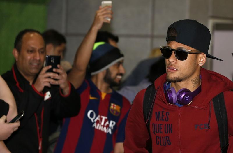 Ribut dengan Neymar, Pengemar City Klaim Tak Bersalah