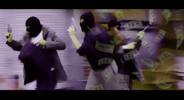 Berita Hari ini: Dua Pencuri Mobil Roboh