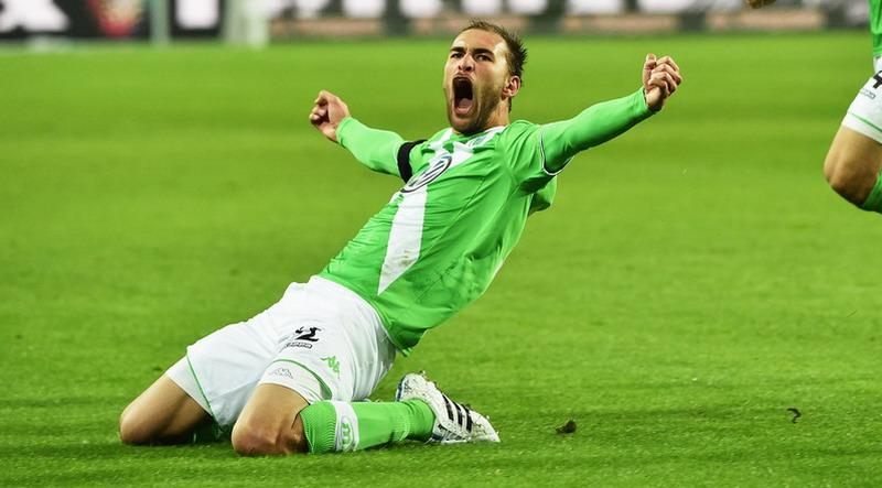 Bomber Wolfsburg Gantikan Robin van Persie di Timnas Belanda