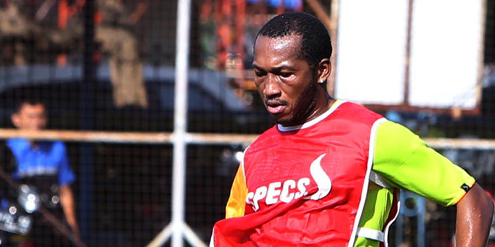 Berita Bola Hari ini: Bintang Persebaya Eks Man United Minta Main Lawan Persib