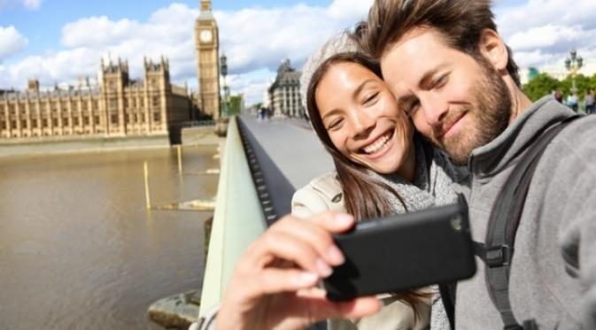 Tips Maksimalkan Kegunaan Smartphone Saat Traveling