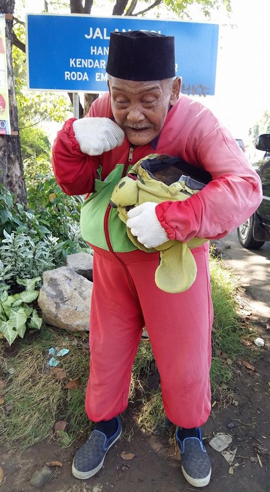 """Kakek """"Winnie the Pooh"""" Masih Layak Dikasihani"""